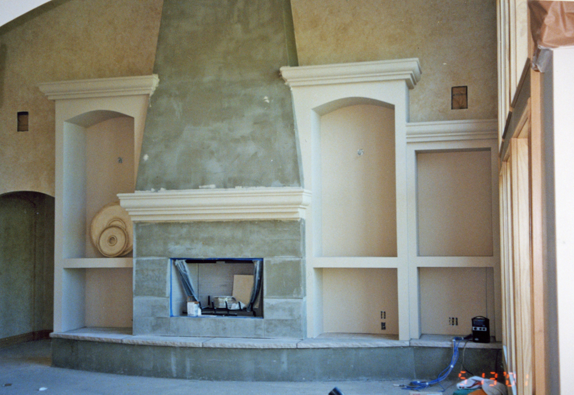 BuiltInFireplaceStucco002
